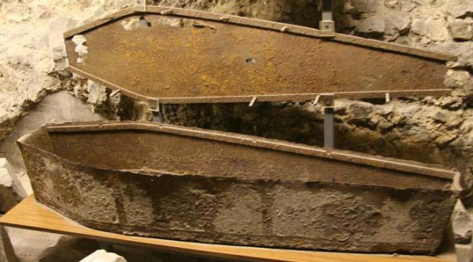 RT @RipperTours: An iron coffin in the crypt of St…